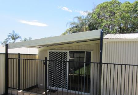 shack-sliding-door
