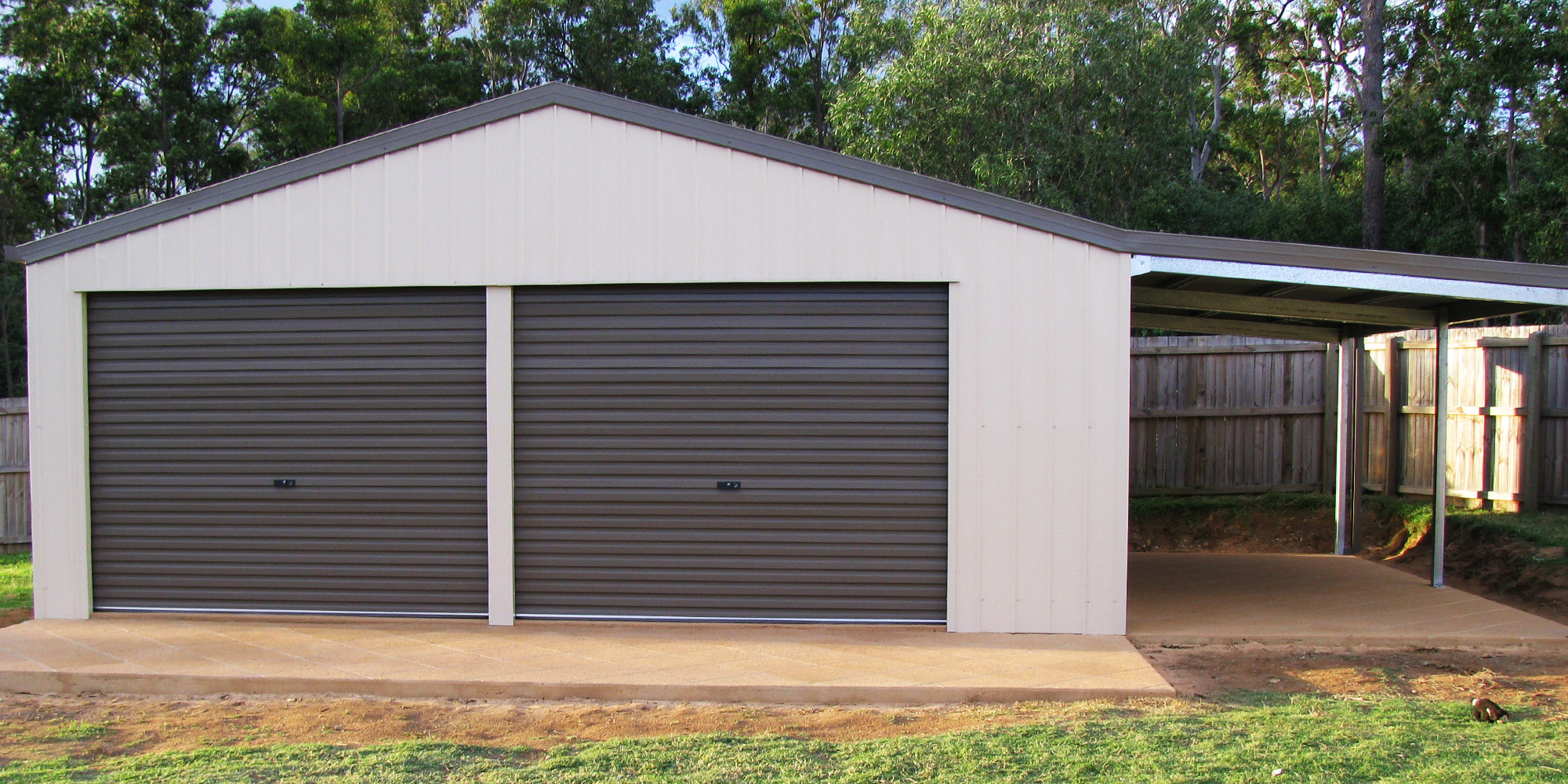 Totally Sheds Garage with Leanto